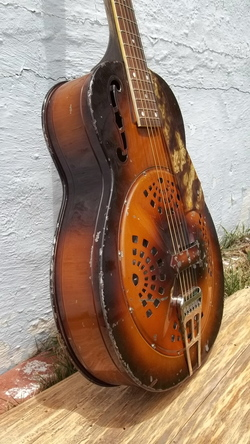 1934 M- 62 Dobro fiddle edge